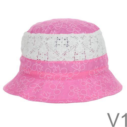 Szellős csipke betétes, vékony, nyári anyagból készült nagyon szép kis kalap.