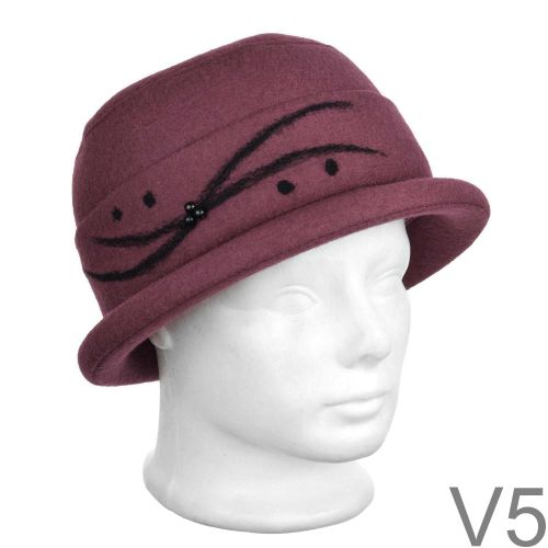 Szivacsos anyagból készült kalap a Kamilla kalap.