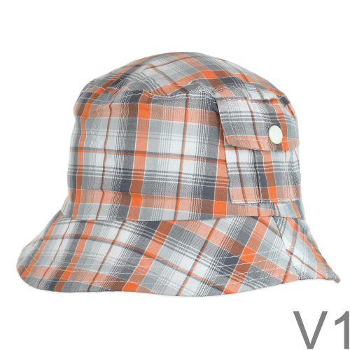 Kisfiú kockás kalap